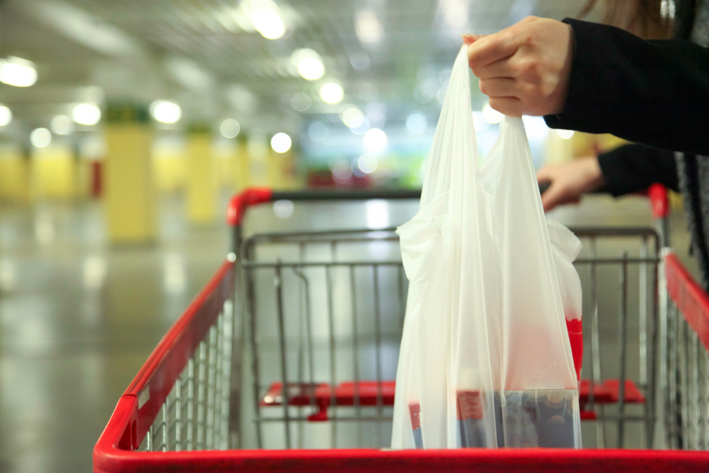 Starting March 2020, single-use plastic bags will be banned in Kent.