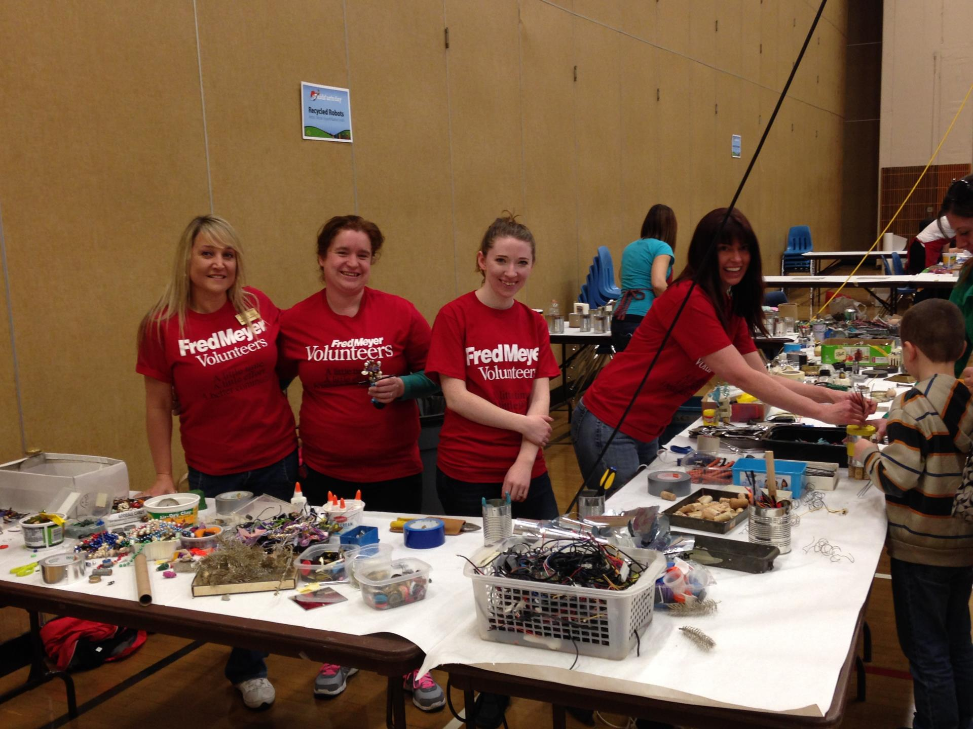 Fred Meyer Staff at Arts Day