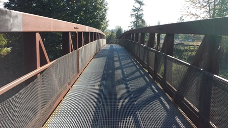 Green River Trail pedestrian bridge