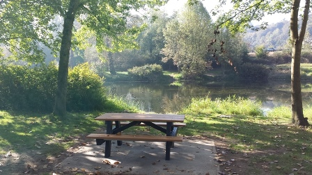 Old Fishing Hole picnic table view